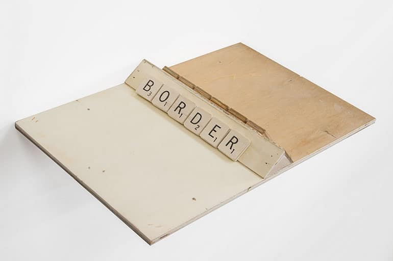 The border (2016), 2.7 ✕ 29.5 ✕ 18.5 cm (Mixed Media)